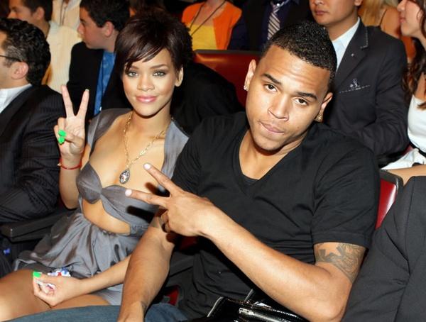 Drake i Rihanna randki 2009 jak radzić sobie z facetem, który chce się tylko połączyć